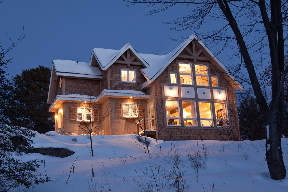 Greenbay cedar homes plan of month custom cedar homes for Winter cabin plans