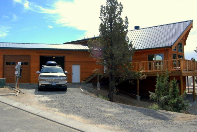 Client builds avondale cedar home central oregon cedar homes for Cedar home designs